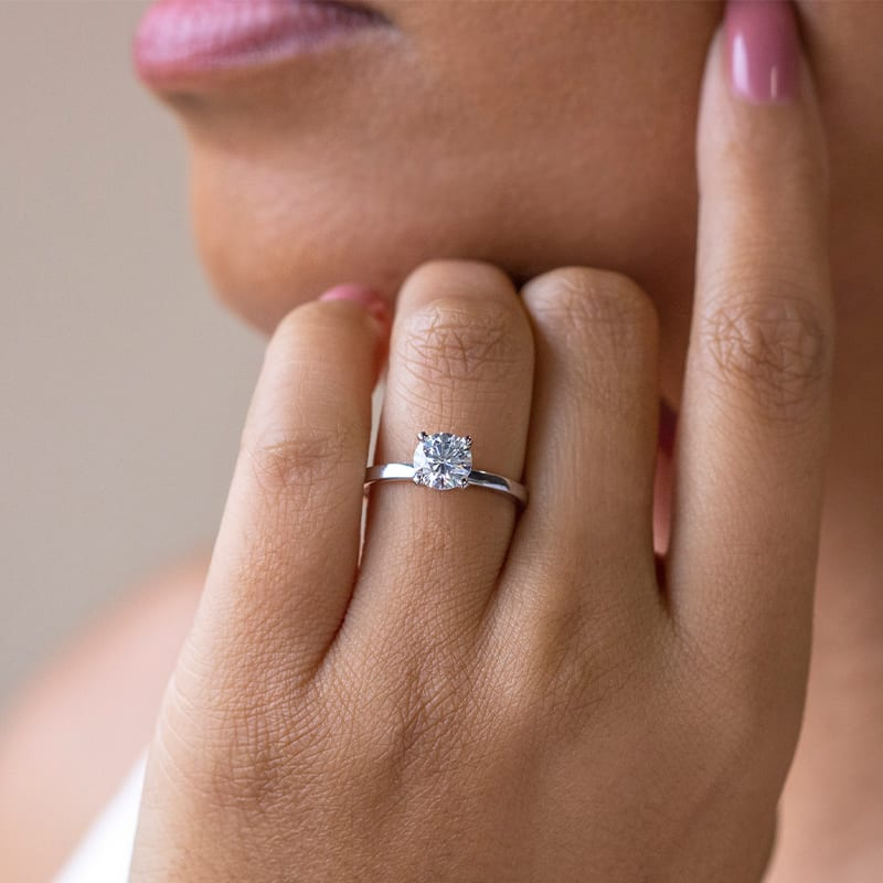 A sleek solitaire style