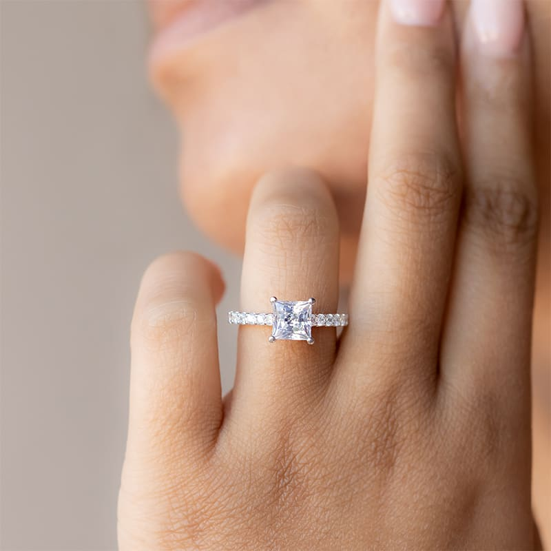 Accented bands bring the sparkle