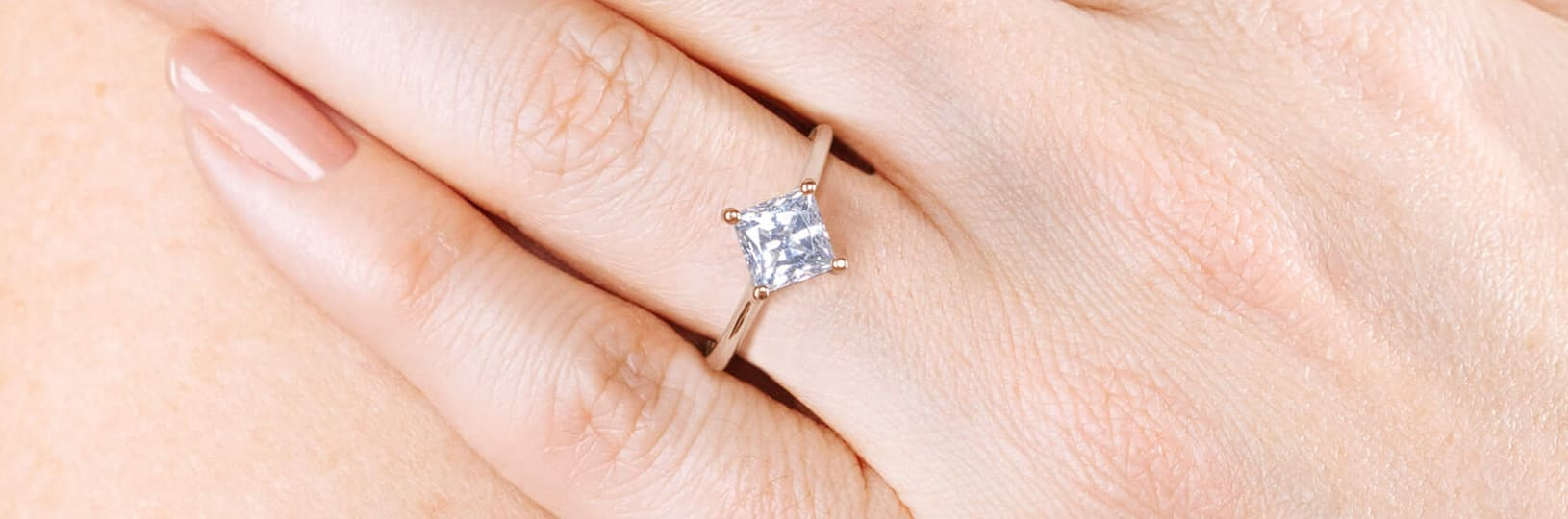 Image of a lab grown diamond engagement ring