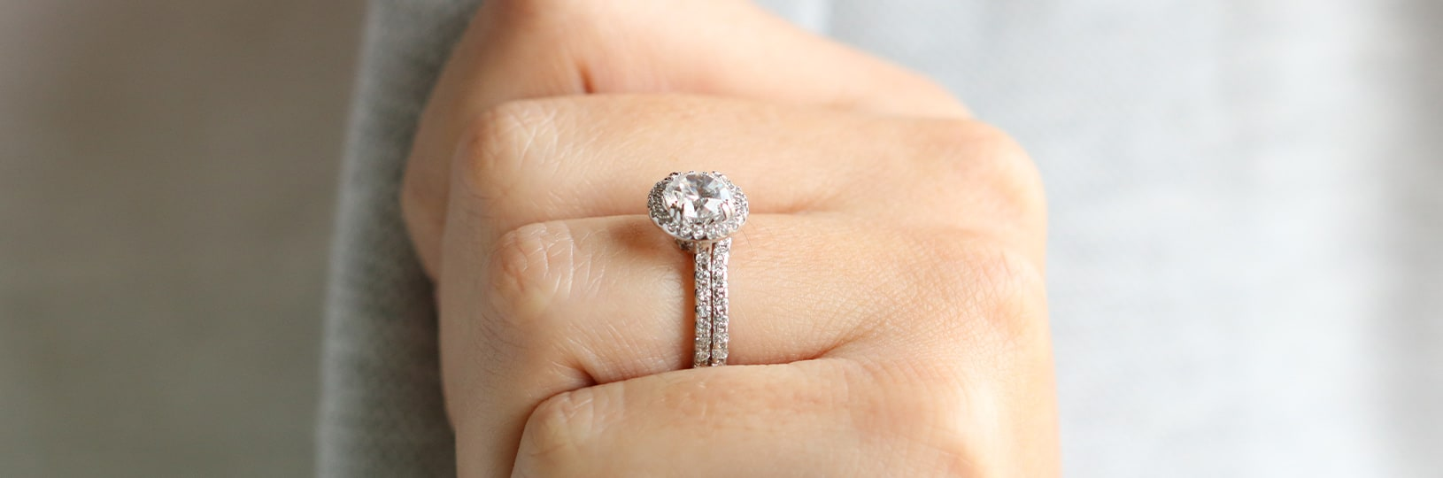 Image of a round cut engagement ring