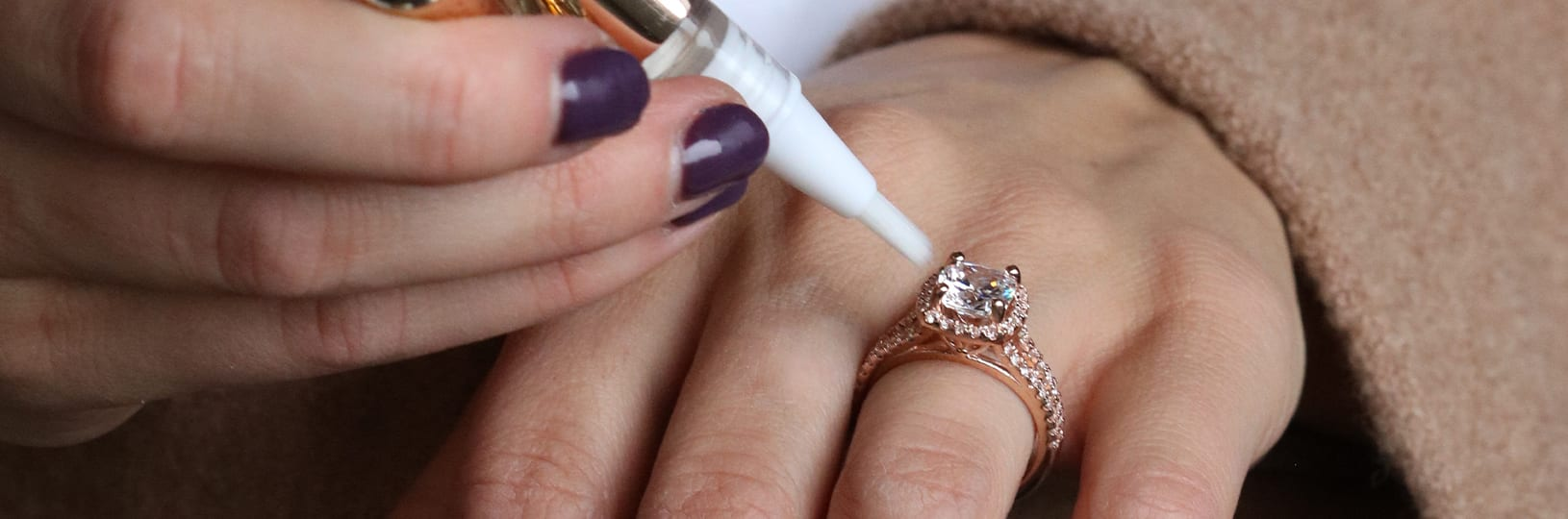 Engagement ring cleaning brush